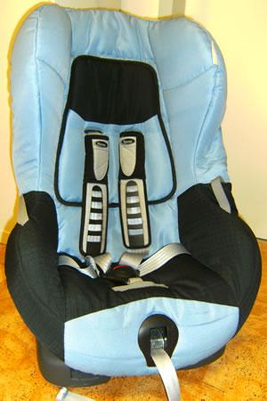 verleih dresden autokindersitz autositz von r mer im. Black Bedroom Furniture Sets. Home Design Ideas