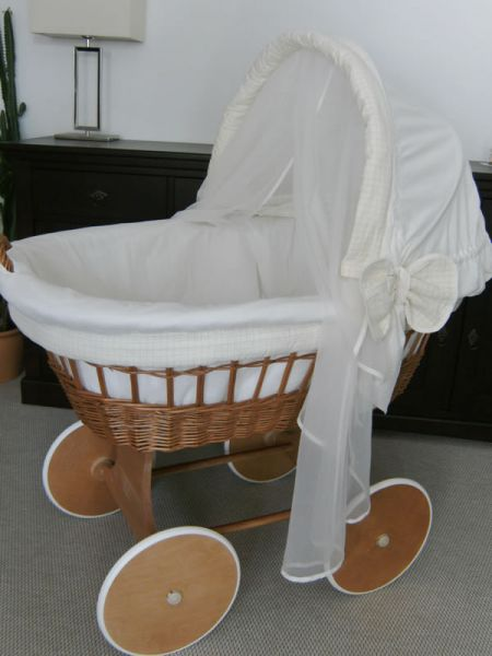 verleih in dresden stubenwagen babywiege bollerwagen. Black Bedroom Furniture Sets. Home Design Ideas